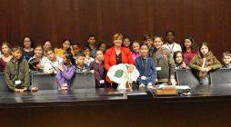 17 octobre –  la présidente du Conseil national a écouté les messages des enfants d'ATD Quart Monde
